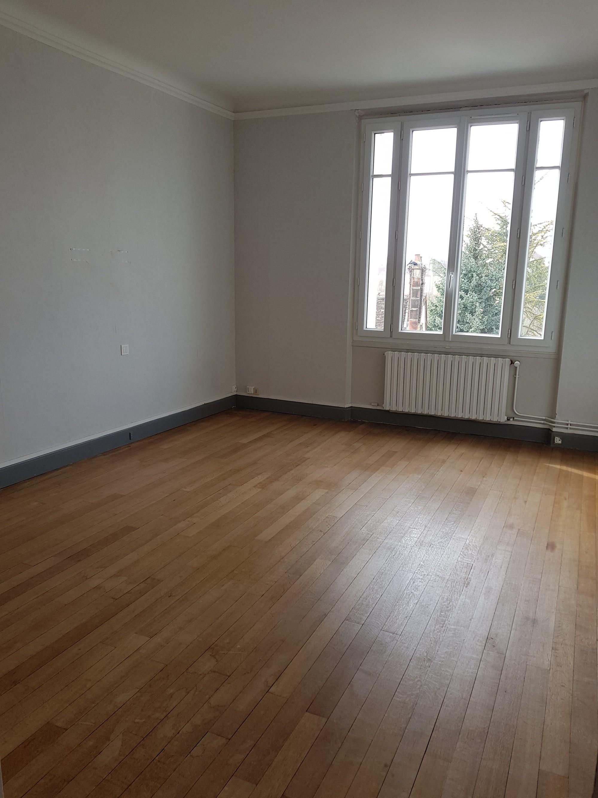 Grand appartement Type 2 Romilly sur seine